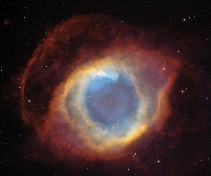 """Helix-sumu on planetaarinen sumu, joka kätkee sisäänsä valkoisen kääpiön. Kuva: <span class=""""photographer"""">NASA, ESA, C.R. O'Dell (Vanderbilt University), M. Meixner and P. McCullough (STScI)</span>"""