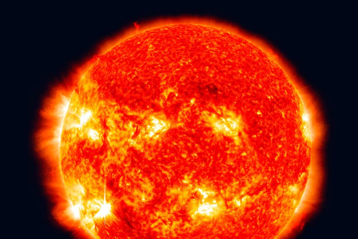 Valtaosan alkuaineista tehtailevat tähdet, ydinlaboratorioissa syntyy transuraaneja eli uraania raskaampia aineita. Kuva: Nasa