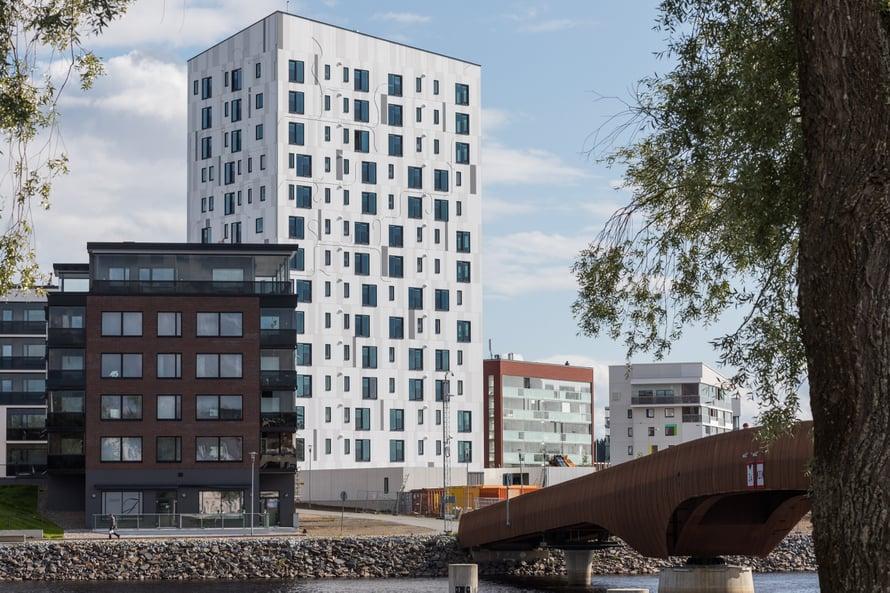 """Joensuuhun nousi viime vuonna 14-kerroksinen puutalo. Kuva: <span class=""""photographer"""">Arcadia Oy Arkkitehtitoimisto</span>"""