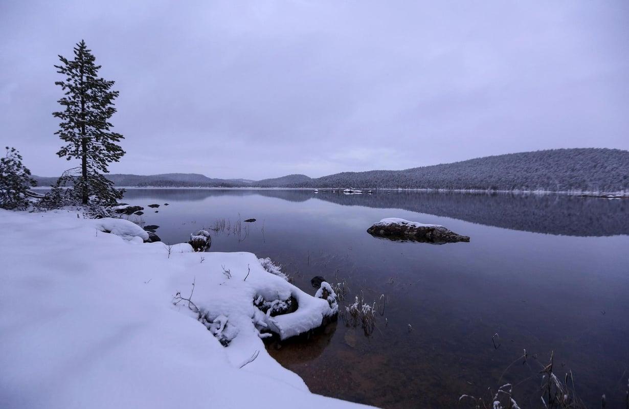 Inarissa järvi oli sulana marraskuussa 2017. Kuva: Seppo Kärki
