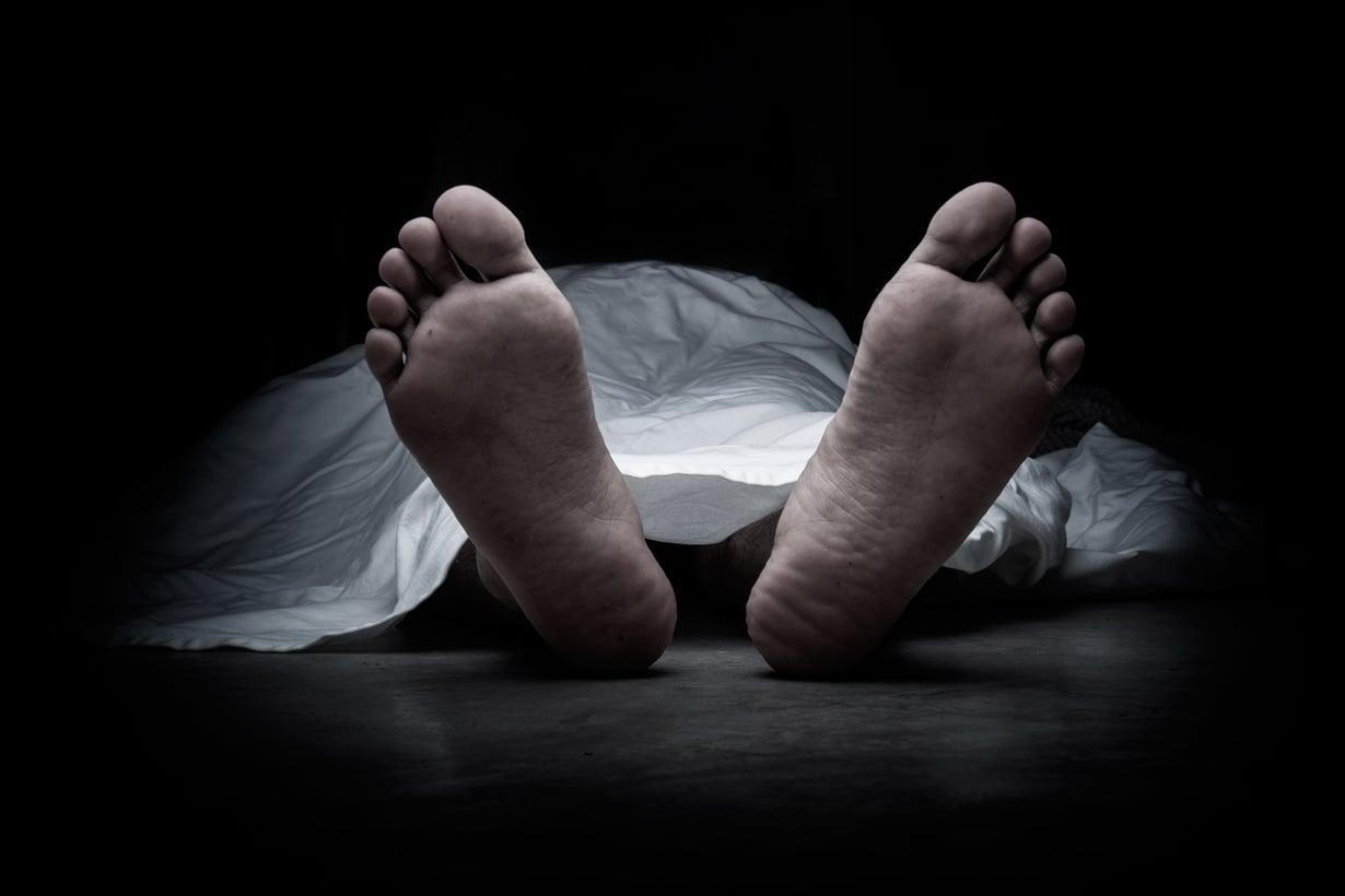 Kuolema määriteltiin uudelleen 1070-luvun vaihteessa. Silloin siirryttiin sydänkuolemasta aivokuolemaan. Kuva: Shutterstock