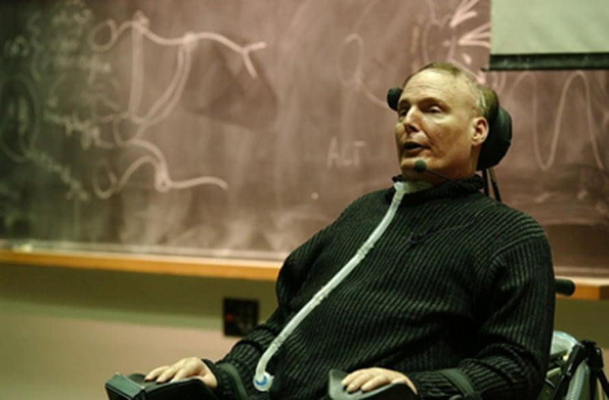 """Edesmenneen """"Teräsmiehen"""" Christopher Reeven nimeä kantava säätiö osallistui tutkimuksen rahoittamiseen. Kuva: <span class=""""photographer""""><a href=http://en.wikipedia.org/wiki/GNU_Free_Documentation_License>Wikimedia Commons</a></span>"""