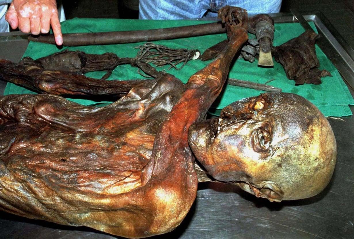 Ötziksi nimetty jäämuumio on kertonut paljon elämästä Alpeilla yli 5 300 vuotta sitten. Kuva: Reuters