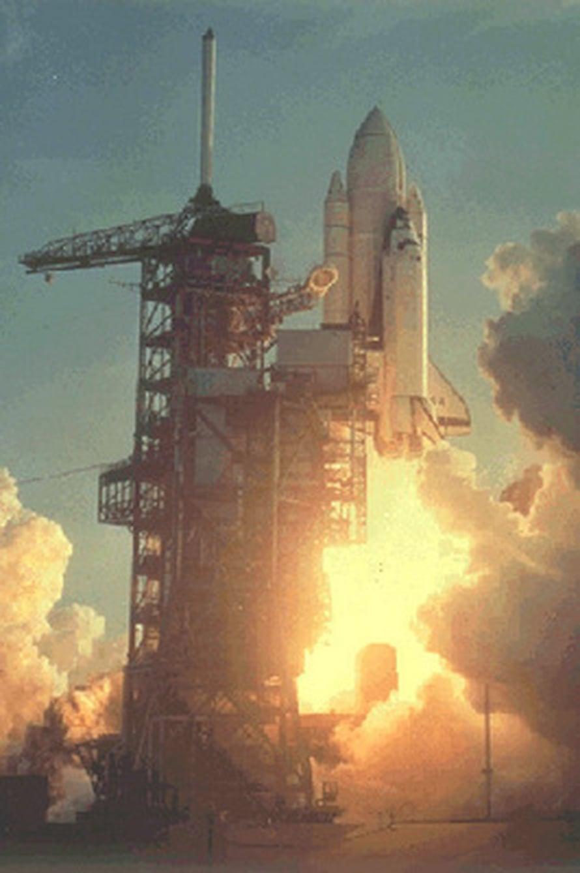 """Columbia-sukkulan ensimmäinen lento alkoi 12. 4. 1981. Kuva: <span class=""""photographer"""">STS-1/NASA</span>"""