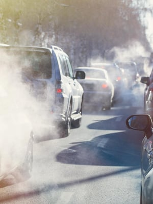 """Viime vuonna pandemia vähensi etenkin liikenteen päästöjä. Kuva: <span class=""""photographer"""">Shutterstock</span>"""
