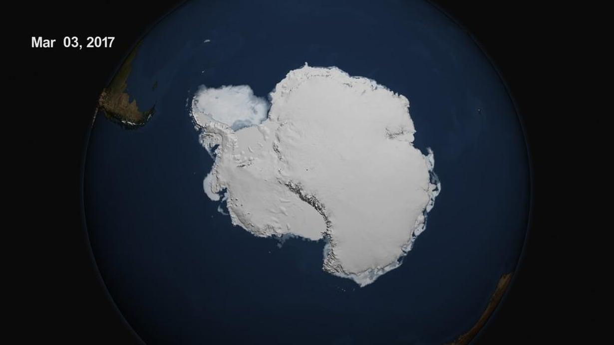 Etelämannerta ympäröivä merijää ei ole koskaan mittaushistoriassa ollut niin suppea kuin se oli 3. maaliskuuta. Kuva: NASA Goddard's Scientific Visualization Studio/L. Perkins