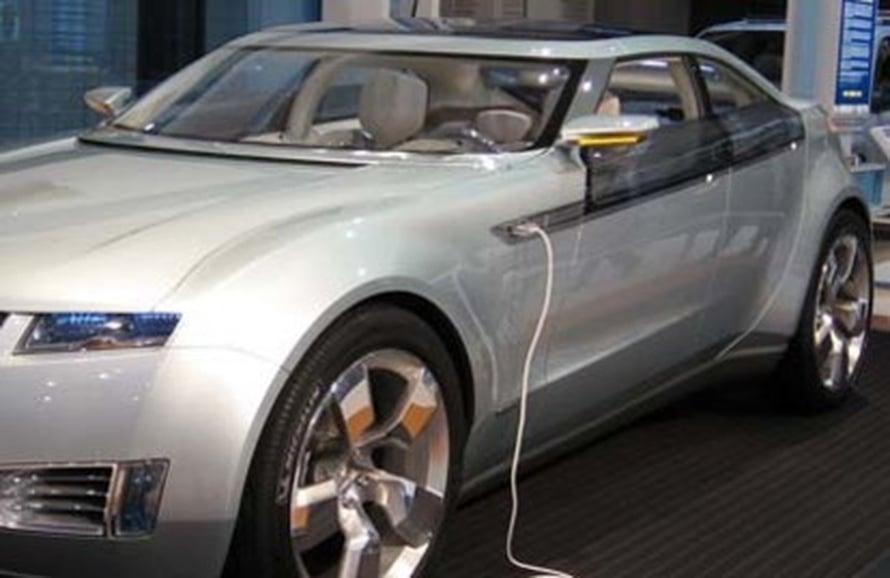 "Ladattava hybridi Chevrolet Volt. Kuva: <span class=""photographer""><A HREF=http://en.wikipedia.org/wiki/Image:Chevrolet-Volt-DC.jpg>Wikimedia Commons</A></span>"