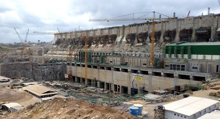 """Belo Monten patoa rakennetaan Brasiliassa. Kuva: <span class=""""photographer"""">Wikimedia Commons</span>"""