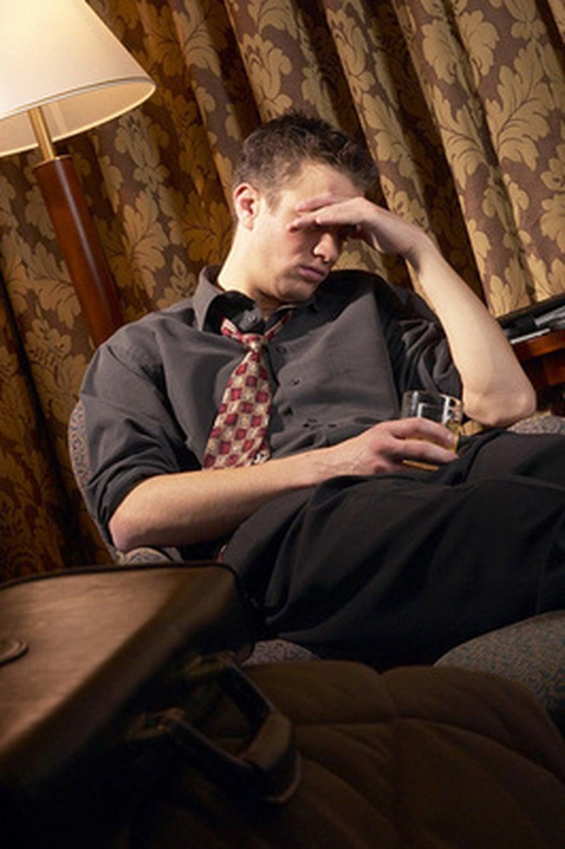 Psykoterapia voi auttaa ahdistukseen ja masennukseen, mutta voi se olla haitallistakin. Kuvapörssi.
