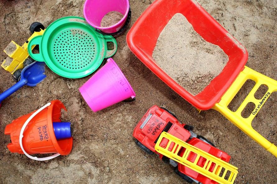 """Lapsen kannalta olisi hyvä, jos sukupuoli ei määräisi, millaisilla leluilla saa leikkiä. Kuva: <span class=""""photographer"""">Kai Sinervo</span>"""